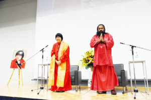 """Darshan & Diksha in NY from March 6 to 8<font color=""""red""""> cancelled</font>"""